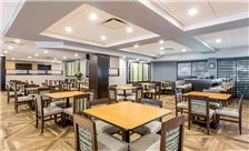 Wingate by Wyndham Universal Studios & Convention Center Amenities - Breakfast Dining Area