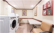 Wingate by Wyndham Universal Studios & Convention Center Amenities - Laundry