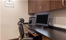 Wingate by Wyndham Universal Studios & Convention Center Amenities - Business Center